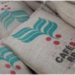 """Café especial brasileiro é ouro em grão para pequenos produtores O café Arabica """"especial"""", com qualidade e preço muito superiores ao comum, permite que os produtores escapem das flutuações dos preços e garantam sua renda"""